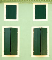 Facade with Shutters - Damazan